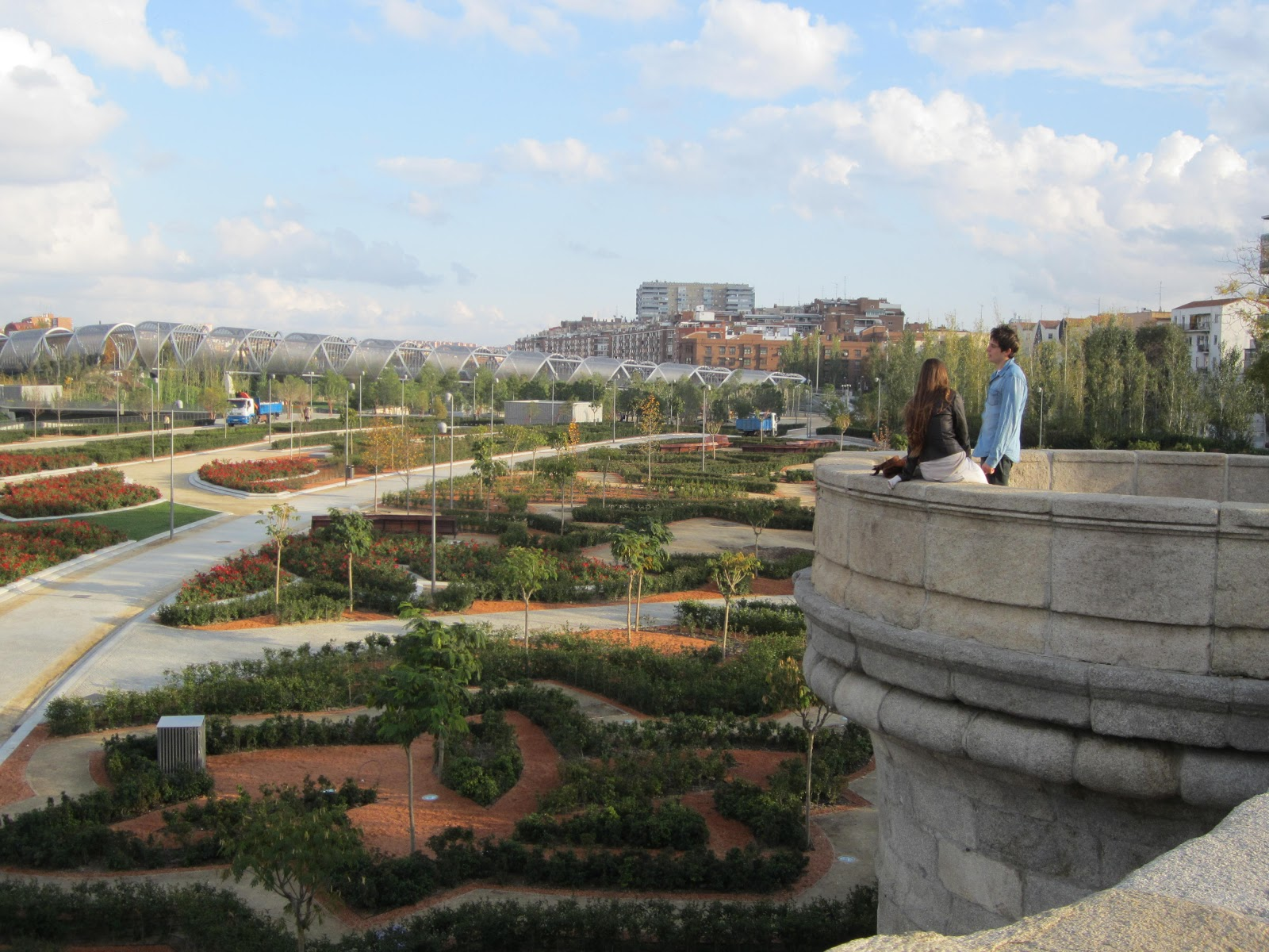 This used to be a highway! | La Citta Vita, View of Madrid Rio (6382197239), CC BY-SA 2.0