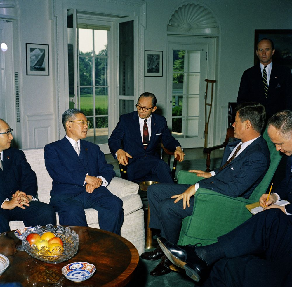 Photograph of John F. Kennedy meeting with the Prime Minister of Japan Hayato Ikeda.