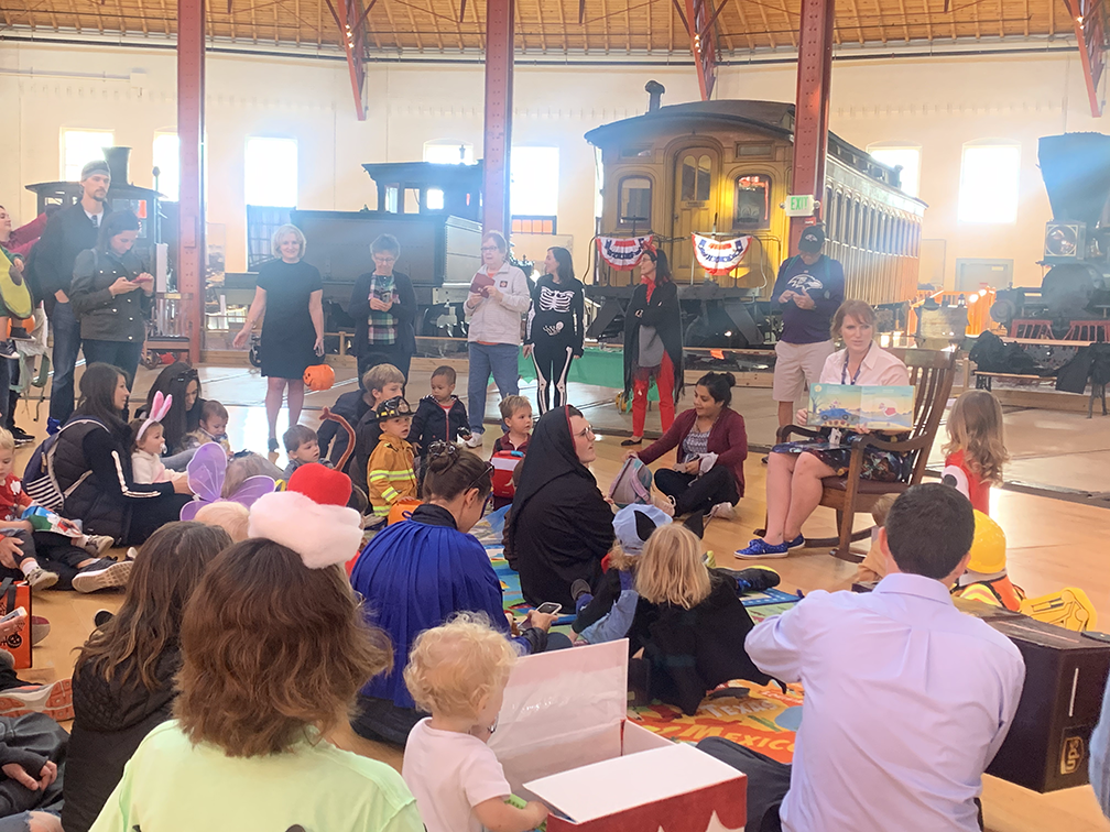 Northeast Maglev attends crowded B&O Railroad Museum Halloween Event